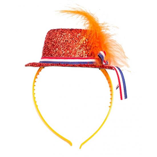 Oranje mini hoedje op haarband