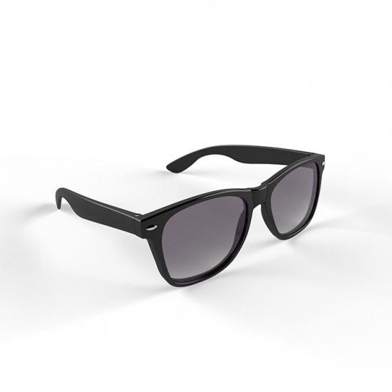 Trendy zwart montuur zonnebril